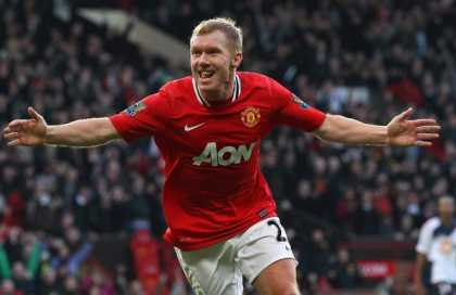 Who are the 3 best Manchester United Midfielders of all time?